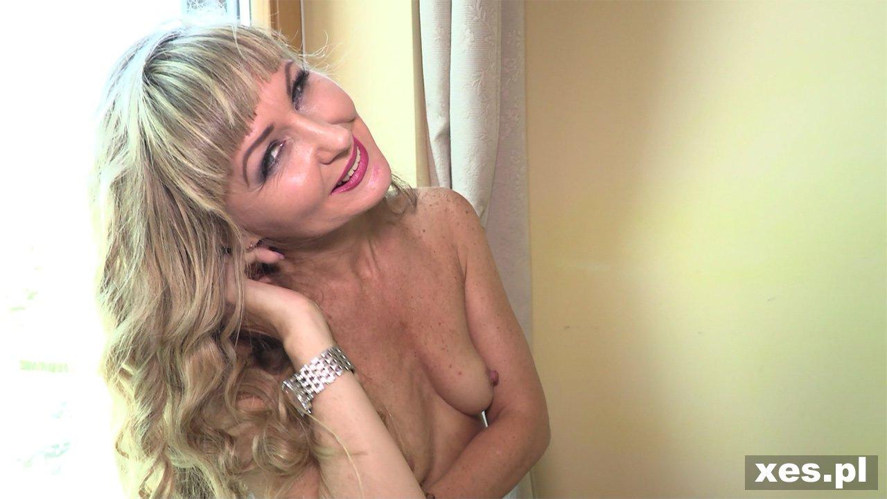 blond mamuśki solo porno